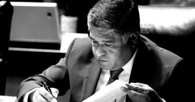 Gestiona Víctor Fuentes más presupuesto para vivienda social